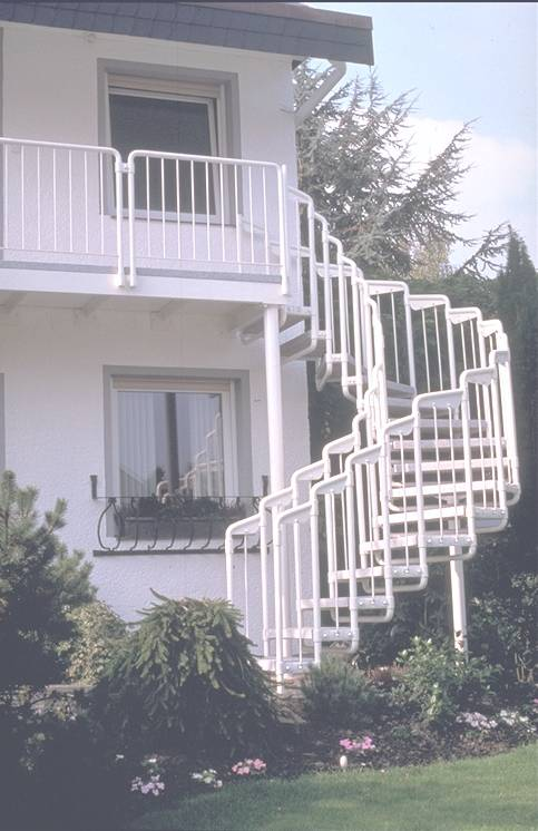 treppen buthe treppen des typs balkontreppen f r den au enbereich. Black Bedroom Furniture Sets. Home Design Ideas